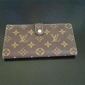 Vintage Louise Vuitton womens pocketbook